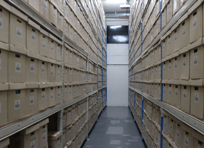 How Self Storage Can Make Your Moving Easy